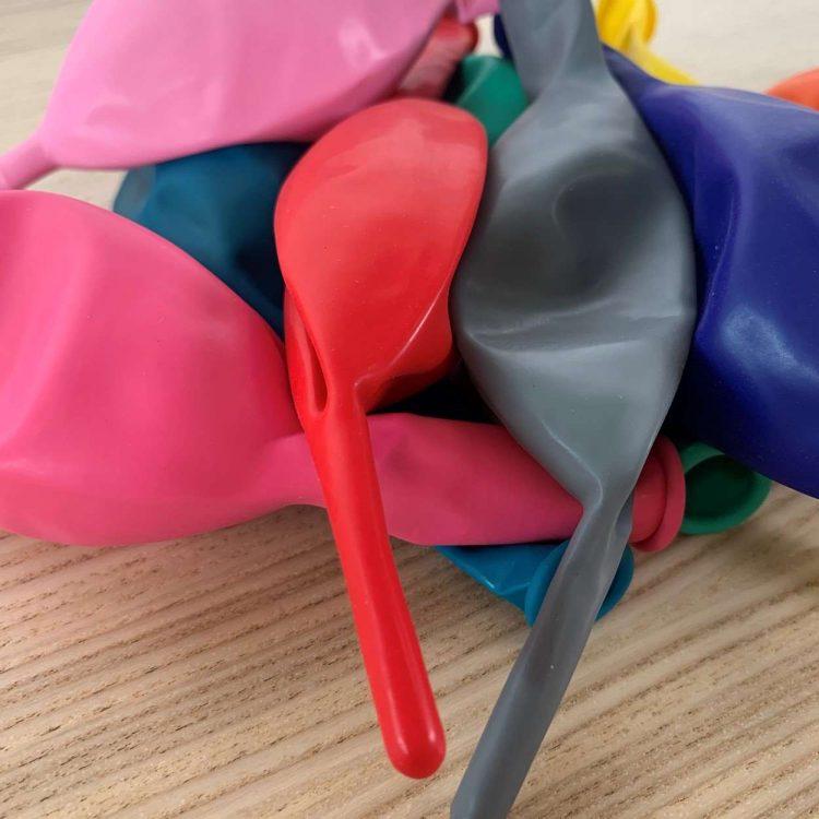 10 ballons de construction Multicolores 30cm