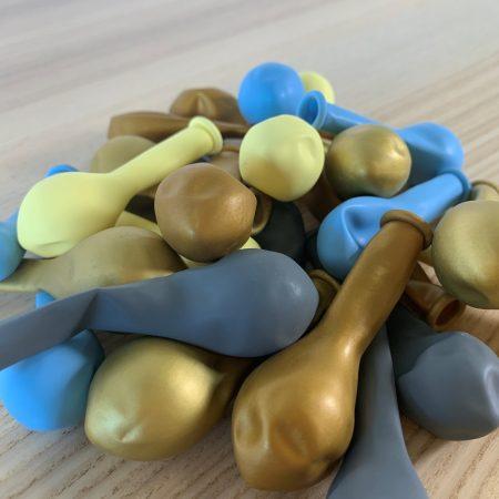Pochette 25 ballons Bleu Jaune Or 13cm