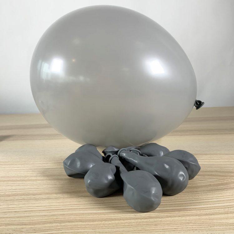 ballon gonflé gris 30cm