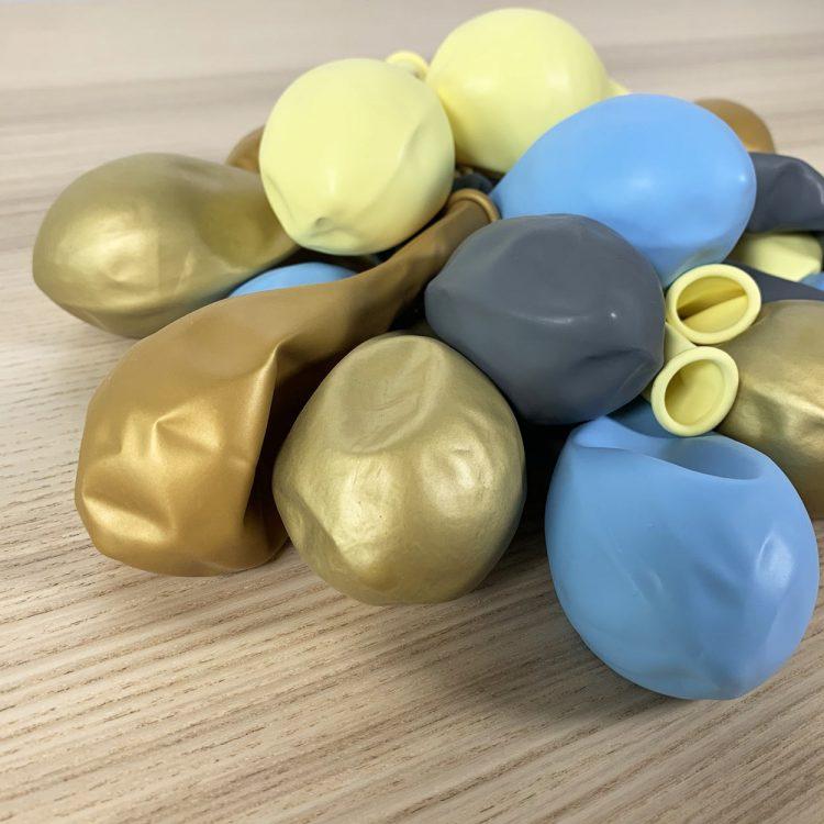 pochette 20 ballons 30cm Bleu Jaune Or Gris