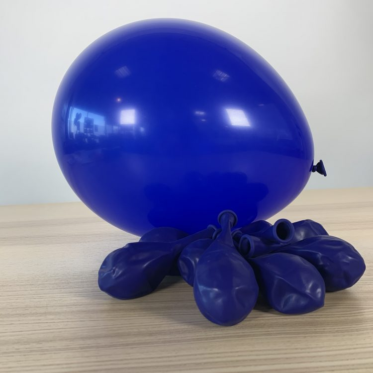 Ballons 30cm Bleu Marine Gonflés
