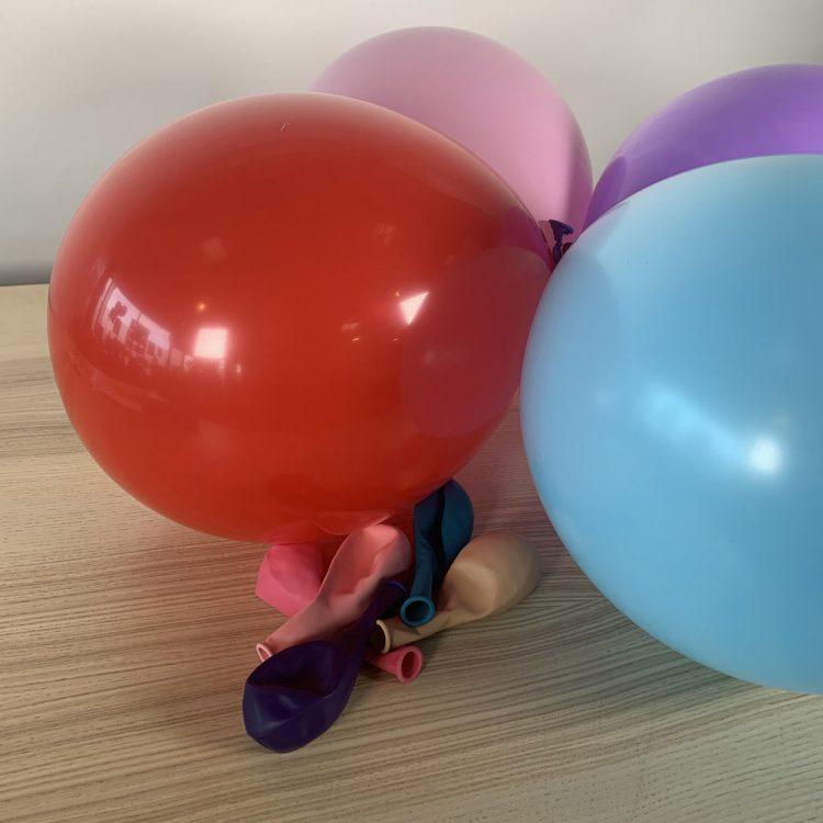 Ballons 30cm Assortis Gonflés