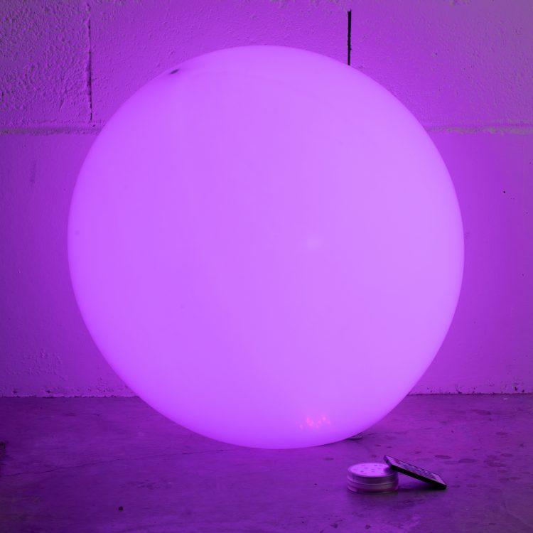 Grosse Led effet violet